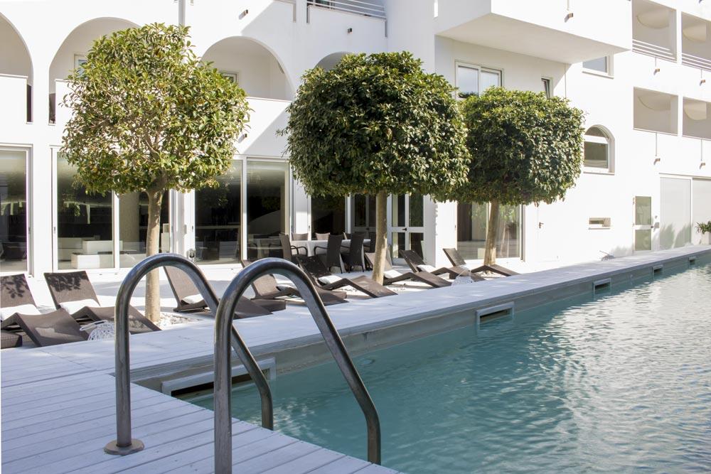 Design hotel vieste hotel di lusso con piscina e parcheggio nel gargano - Piante per bordo piscina ...